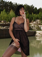 Sexy outdoor fun | PantyhoseDiva.com